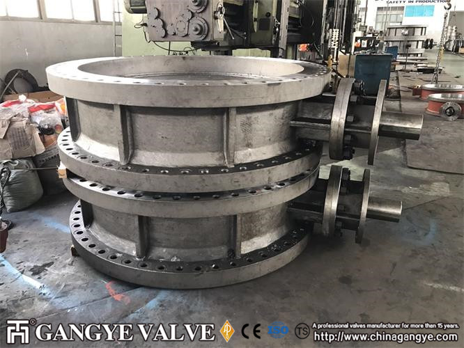 """DOUBLE FLANGED FF, BODY:WCB, DISC: WCB, SHAFT:F6A, SEALING RING316SS+GRAPHITE, 150LB 72"""""""